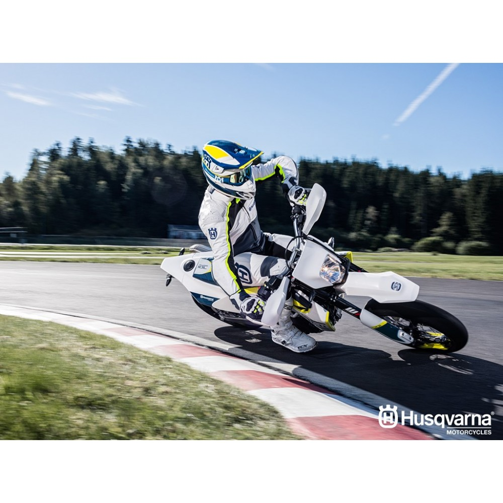 husqvarna 701 supermoto moto and co beauvais. Black Bedroom Furniture Sets. Home Design Ideas